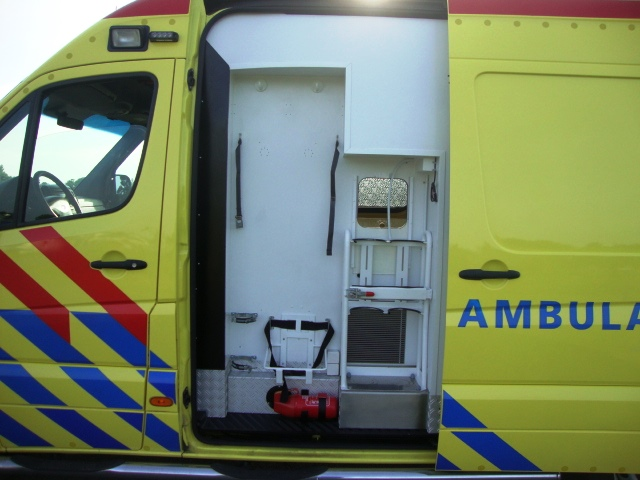 Mercedes Benz 319 CDI Ambulance -15055