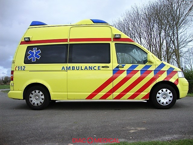 VW Transporter TS Ambulance 17035